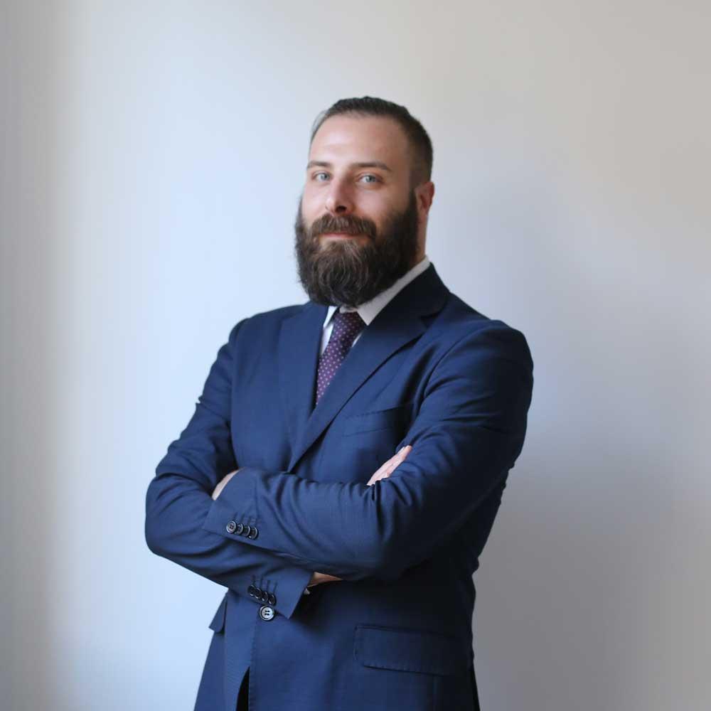 L'avvocato Marco Brevi collabora con SGHS Law Firm in ambito di diritto civile, penale e internazionale.