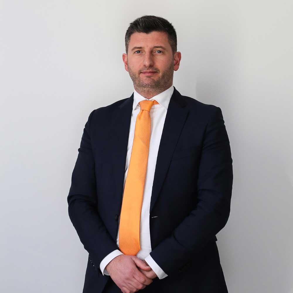 L'avvocato Mirko Brignoli collabora con SGHS Law Firm in ambito di diritto amministrativo, civile e consulenza alle aziende.